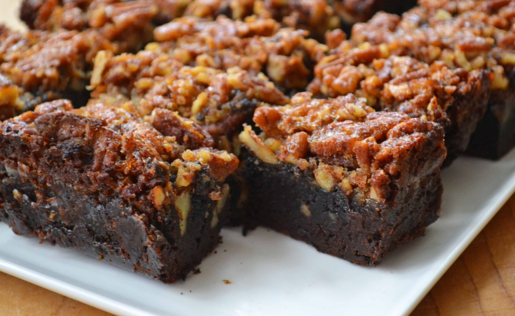 pecan pie brownies 1024x630 Pecan Pie Brownies