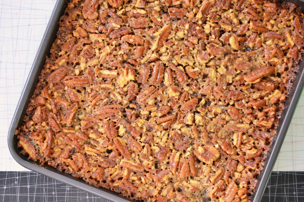 pecan pie brownies 2 1024x679 Pecan Pie Brownies