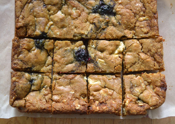 Blackberry white chocolate blondies 3 Blackberry White Chocolate Chunk Blondies