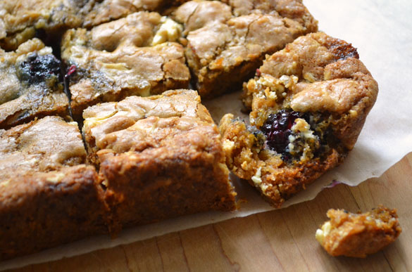 Blackberry white chocolate blondies 4 Blackberry White Chocolate Chunk Blondies