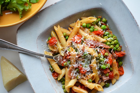 Barilla 1 Penne with Pancetta, Grape Tomatoes, Peas and Romano