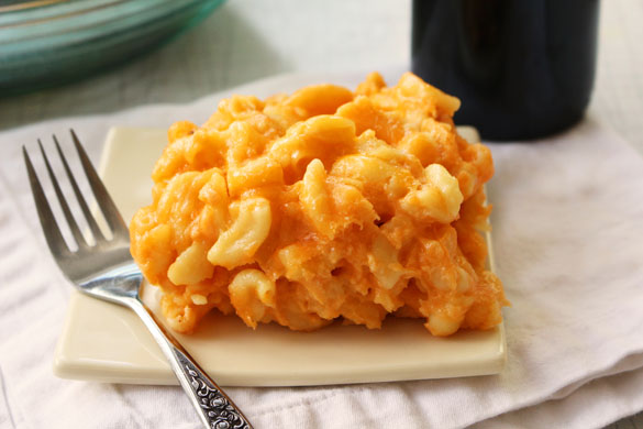 slow cooker mac cheese 1 Slow Cooker Mac & Cheese